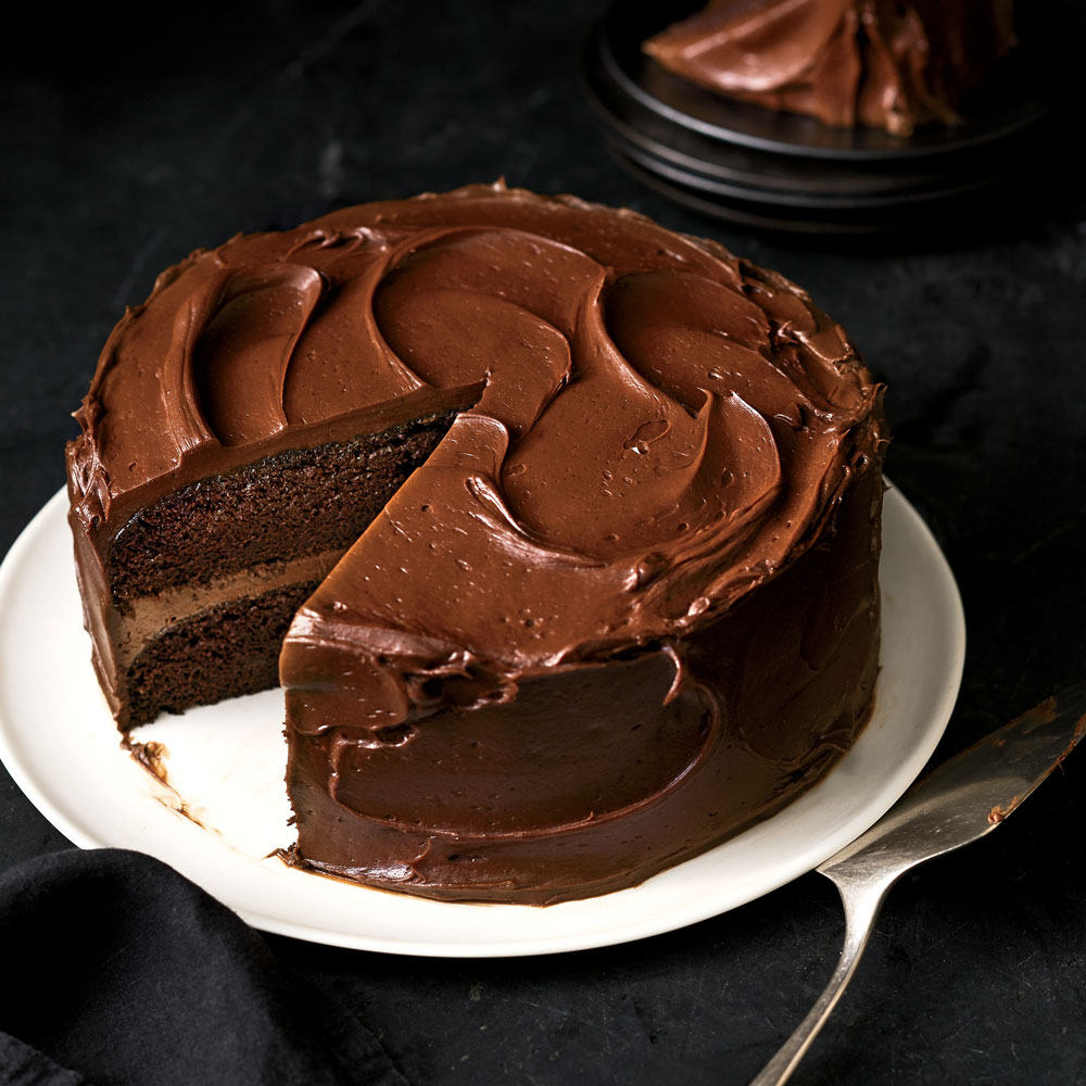 5-ingredient choc-caramel cake