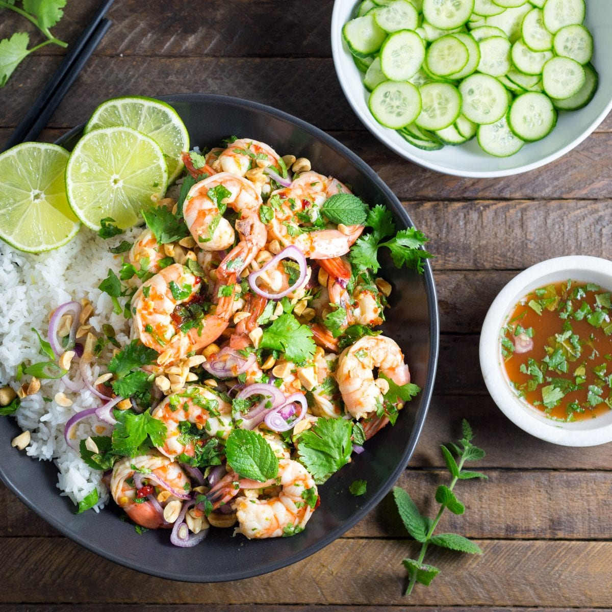 Spicy prawns with lime and mint salt