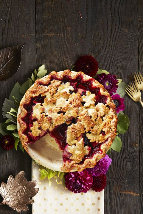 Pear and Berry Crumb Pie